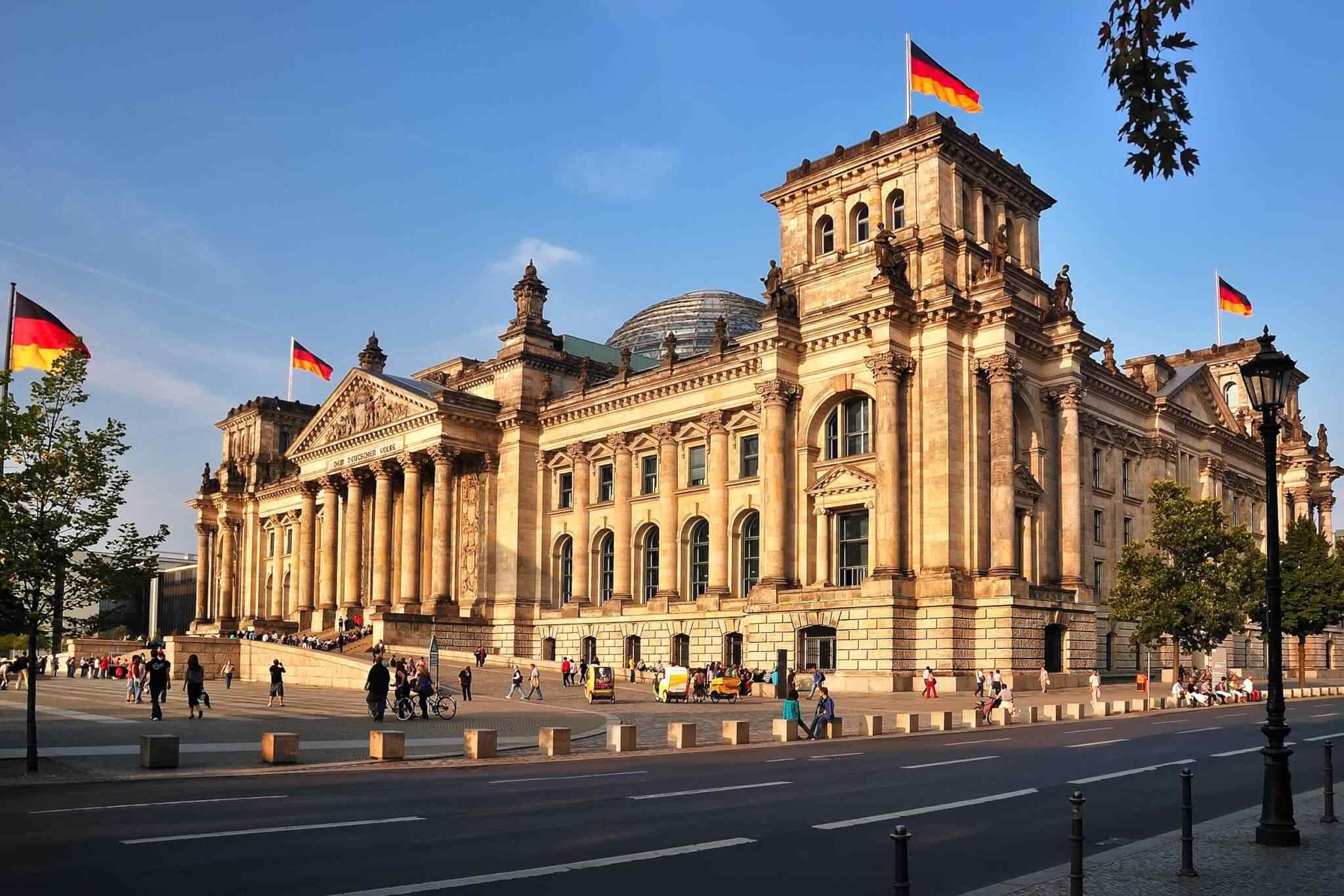 https://tinatours.bg/wp-content/uploads/2018/09/destination-berlin-01.jpg